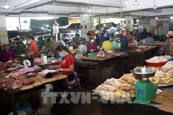 Quảng Nam: Không có tình trạng người dân đua nhau mua đồ về tích trữ