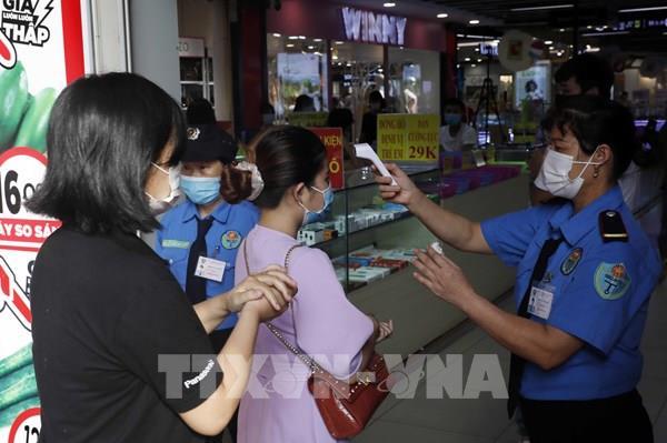 Các siêu thị sẵn sàng cho công tác phòng, chống dịch COVID-19