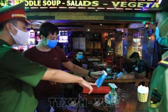Hà Nội: Xử phạt quán bar hoạt động sai quy định giữa dịch COVID-19