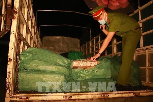 Lào Cai: Phát hiện 2,8 tấn chân gà đông lạnh không rõ nguồn gốc