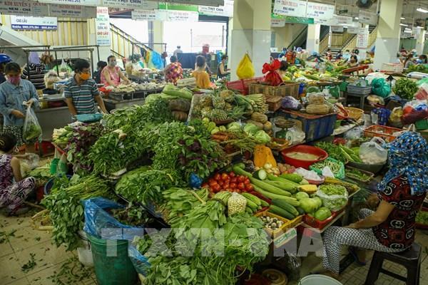 Bão số 9: Chủ động dự trữ hàng hóa thiết yếu và giữ ổn định thị trường