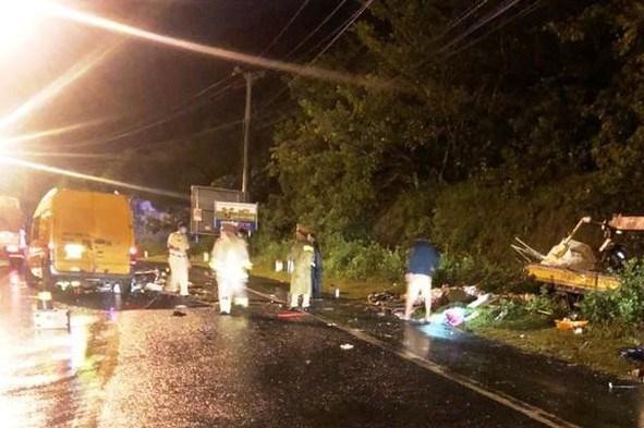 Lâm Đồng: Hai xe tải đâm trực diện làm 3 người  thương vong