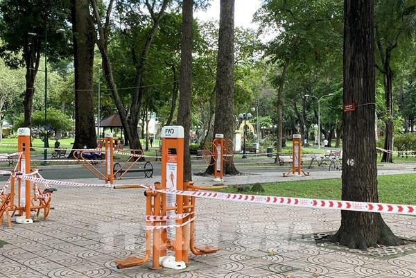 Thành phố Hồ Chí Minh tạm dừng tất cả các hoạt động trong công viên, mảng xanh