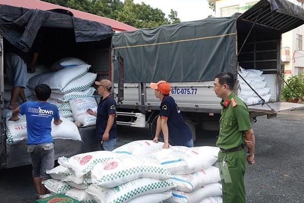 Liên tiếp phát hiện 4 xe tải vận chuyển 39 tấn đường cát không hóa đơn, chứng từ