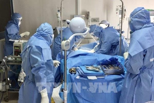 Quảng Trị chuyển bệnh nhân mắc COVID-19 có bệnh nền nặng vào Huế điều trị