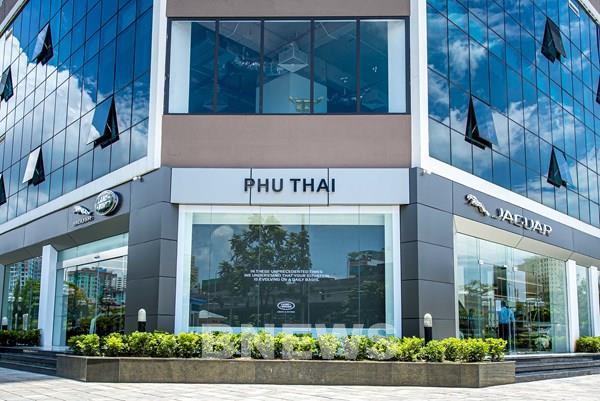 Khai trương showroom Jaguar Land Rover đầu tiên và duy nhất tại Hà Nội