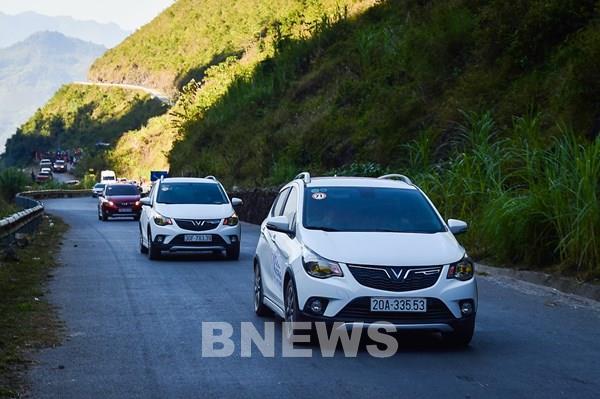 Áp dụng giá mới, doanh số bán xe của VinFast tăng 44 xe