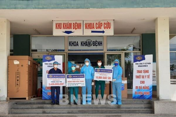 Vinaconex trao tặng Đà Nẵng gần 2,5 tỷ đồng trang thiết bị phòng chống COVID-19