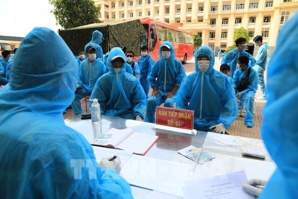 Hà Nội tiếp nhận và đưa các công dân về từ Đà Nẵng vào cách ly tập trung