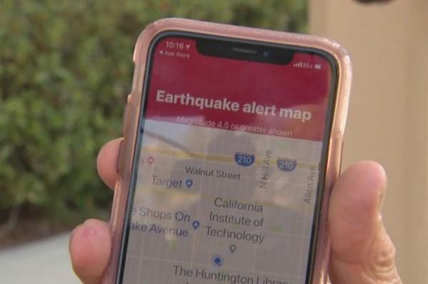 """Google """"biến"""" điện thoại thông minh thành thiết bị phát hiện động đất"""