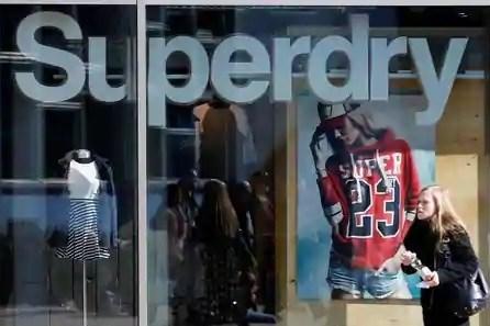 """Bất chấp đại dịch, nhà bán lẻ thời trang Anh """"hốt bạc"""""""