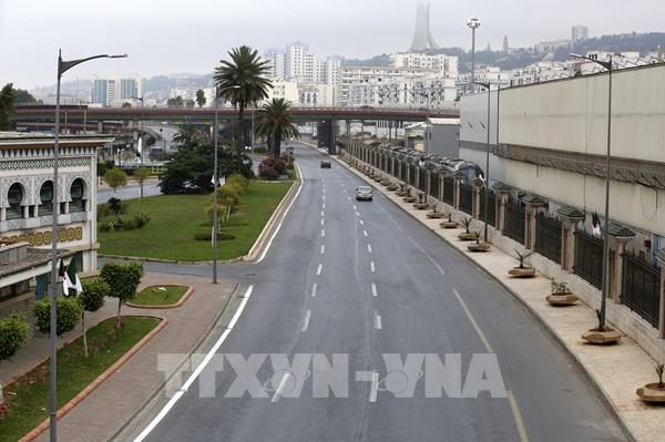 Các doanh nghiệp năng lượng Algeria lỗ nặng vì dịch COVID-19
