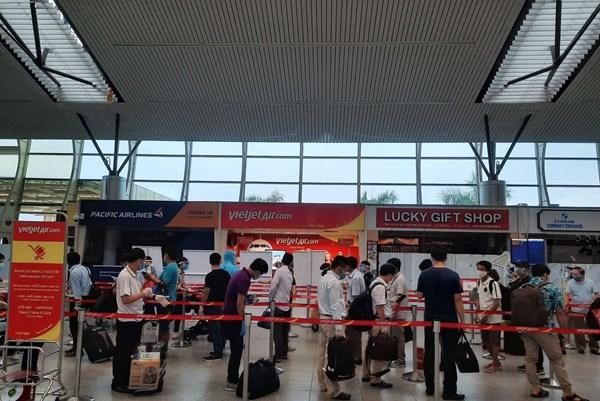 Vietjet đưa 230 khách mắc kẹt tại Đà Nẵng trở về Hà Nội