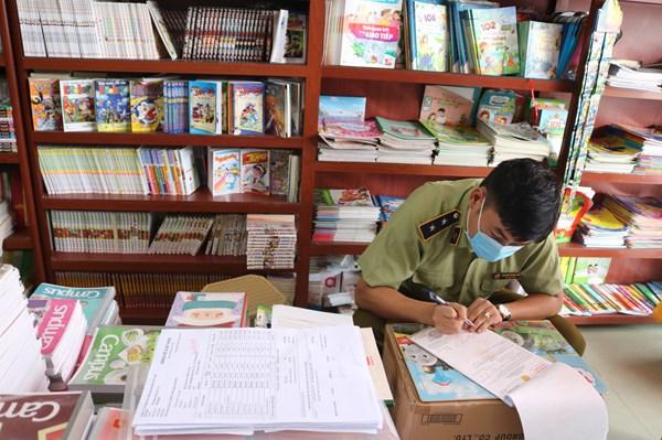 Phát hiện lượng lớn sách giáo khoa in lậu