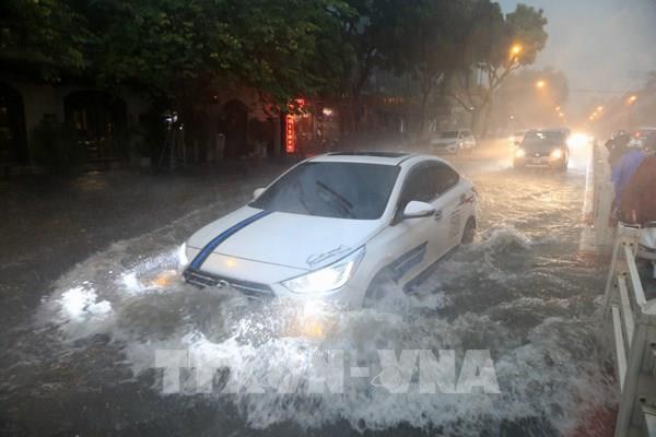 Các tuyến đường có nguy cơ ngập úng do mưa lớn ở Hà Nội