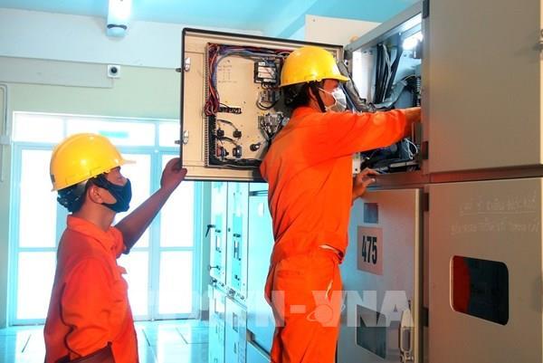 Đóng điện dự án cấp điện bằng cáp ngầm cho đảo Nhơn Châu