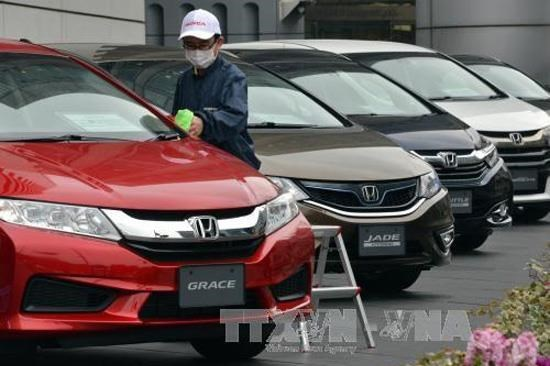 Doanh số bán ô tô ở Nhật Bản giảm tháng thứ 10 liên tiếp