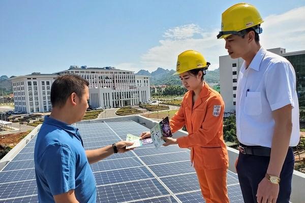 Hơn 25.000 hệ thống điện mặt trời mái nhà được lắp đặt trong 8 tháng