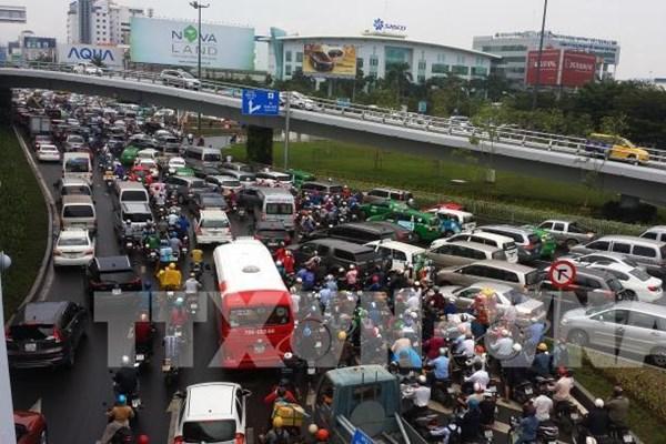 Phát triển giao thông ở sân bay Tân Sơn Nhất - Bài 1: Nhiều dự án chờ mặt bằng