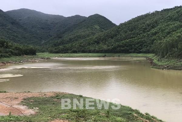 Quảng Ninh: Người dân đảo Quan Lạn mòn mỏi chờ nước sạch