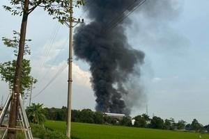 Hà Nội: Khống chế vụ cháy tại Cụm Công nghiệp Bình Phú, huyện Thạch Thất