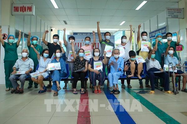 Dịch COVID-19 tối 22/8: Việt Nam ghi nhận thêm 5 ca mắc mới
