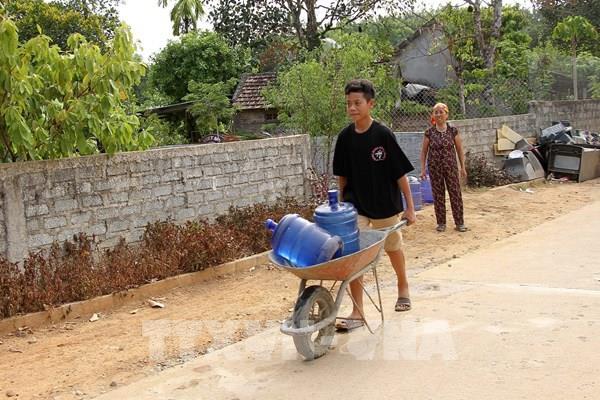 Quảng Bình: Đưa nước sạch miễn phí cho bà con vùng hạn mặn