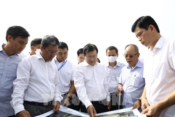 Phó Thủ tướng: Đảm bảo tiến độ sửa chữa đường băng và vận hành sân bay Nội Bài an toàn