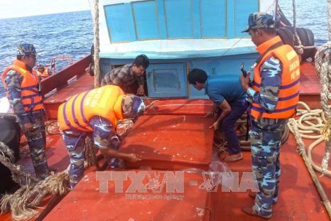 Nhận diện hoạt động buôn lậu và gian lận thương mại trên biển