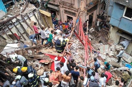 Sập nhà ở Ấn Độ: 1 nạn nhân tử vong, ít nhất 70 người bị mắc kẹt