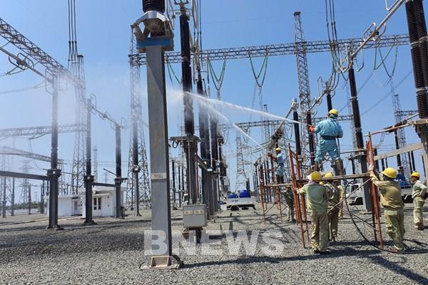 Vận hành an toàn hệ thống truyền tải điện miền Tây Nam bộ