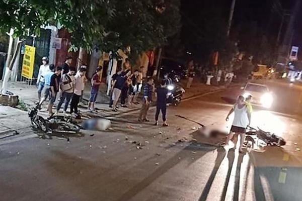 Sơn La: Xe tải va chạm với xe máy khiến hai người tử vong