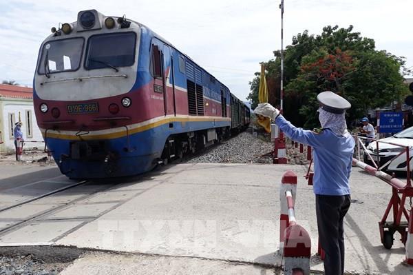 Giảm 20% giá vé tàu cho hành khách đi và đến khu vực miền Trung