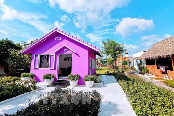"""""""Căn nhà màu tím"""" độc đáo ở Cần Thơ"""