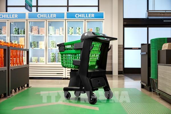 Amazon sắp khai trương siêu thị đầu tiên trang bị xe đẩy thông minh