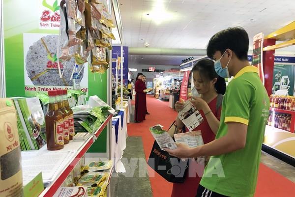 Nhiều giải pháp thay đổi văn hoá tiêu dùng hàng Việt