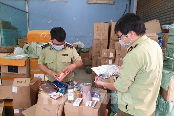 Hà Nội tập trung xử lý vi phạm kinh doanh hàng lậu