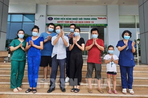 Thêm 7 bệnh nhân COVID-19 ở Bệnh viện Bệnh Nhiệt đới Trung ương được công bố khỏi bệnh