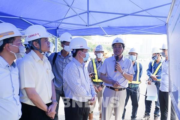 Bộ trưởng Nguyễn Văn Thể: Cần chủ động tiến độ sửa chữa mặt cầu Thăng Long
