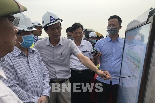 Bộ trưởng Nguyễn Văn Thể: Đường băng sân bay Nội Bài phải hoàn thành trước 30/11