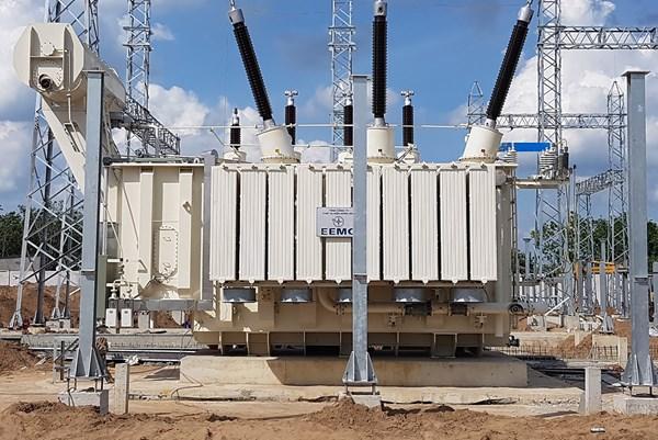 Nỗ lực đóng điện giai đoạn 1 TBA 220 kV Tây Ninh 2 cuối tháng 9