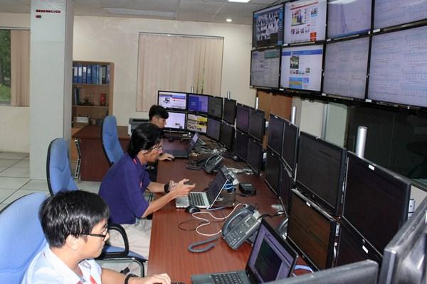 Quản lý giao thông Tp. Hồ Chí Minh - Bài 1: Xây dựng mô hình thông minh