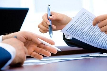 Có được ủy quyền ký hồ sơ thay đổi đăng ký doanh nghiệp không?
