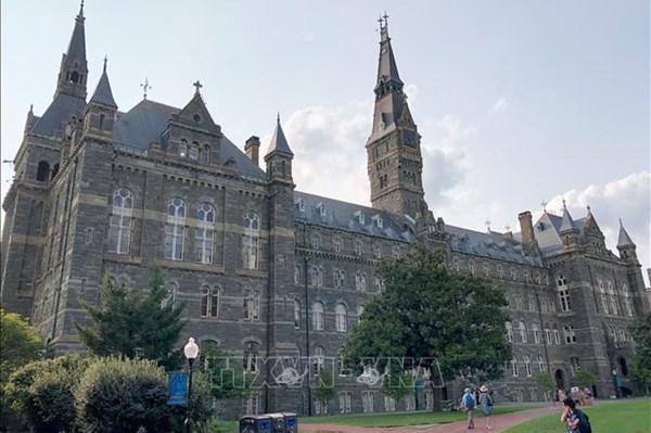 Mỹ lo phương thức học trực tiếp khiến dịch COVID càng nghiêm trọng