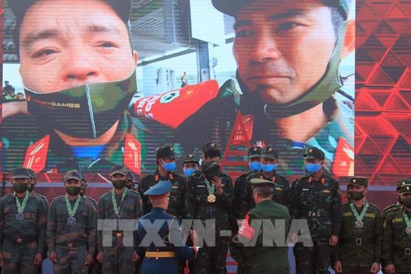 Vỡ òa cảm xúc Xe tăng hành tiến Việt Nam tại Army Games 2020