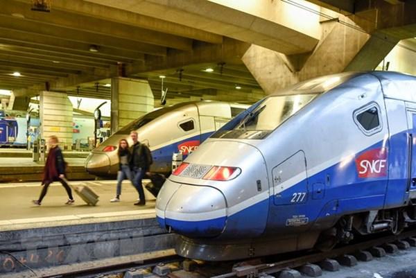 Anh chi 130 tỷ USD xây đường sắt cao tốc mới, tạo việc làm sau COVID-19