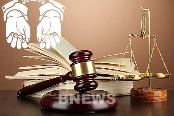 Truy tố nguyên Chủ tịch huyện và cán bộ cấp dưới tham ô tài sản, làm giả tài liệu