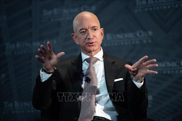 """Jeff Bezos dẫn đầu danh sách """"giới nhà giàu"""" của Forbes năm thứ ba liên tiếp"""