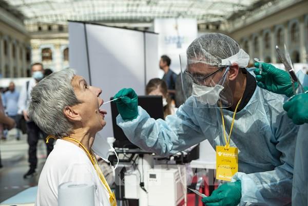 Dịch COVID-19 thế giới tối 19/9: Thế giới ghi nhận hơn 30,7 triệu ca bệnh