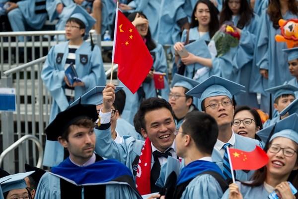 Mỹ thu hồi thị thực của hơn 1.000 sinh viên, chuyên gia Trung Quốc